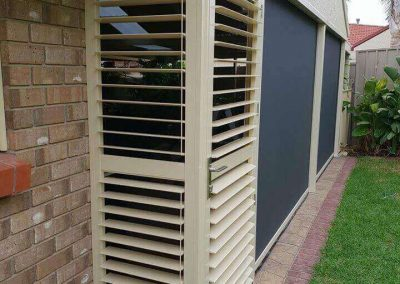 Zip screen blinds with plantation shutter door